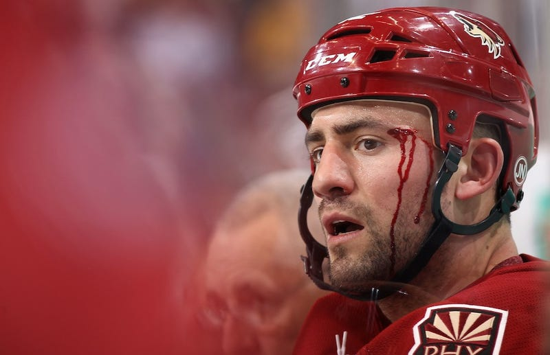 Man Trolls Paul Bissonnette. Bissonnette Posts Man's Arrest Record.