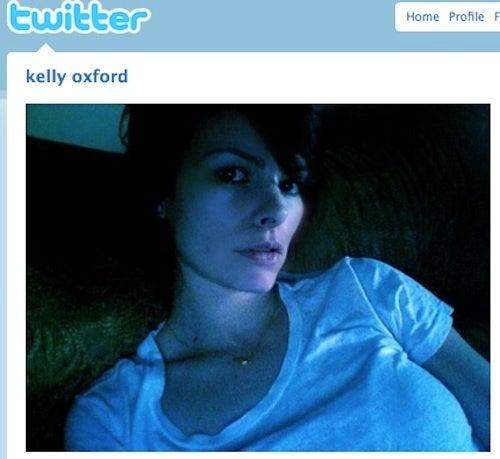 Twitter's Hot Mom Sells CBS Sitcom