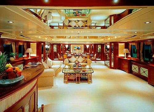 Peek Inside Beyoncé & Jay-Z's Awesome Luxury Yacht