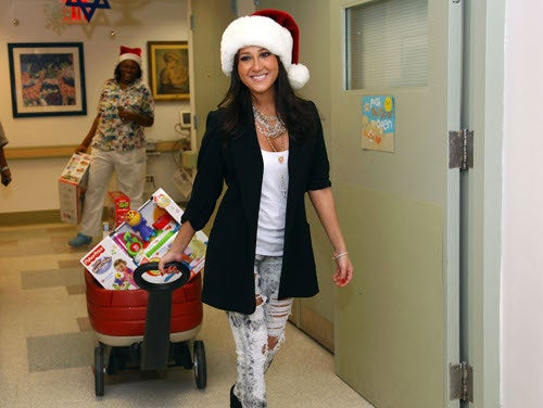 Celebrities Give Good Pic, This Christmas!