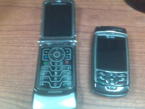 AT&T's Dual-Sliding Pantech Duo In the Wild