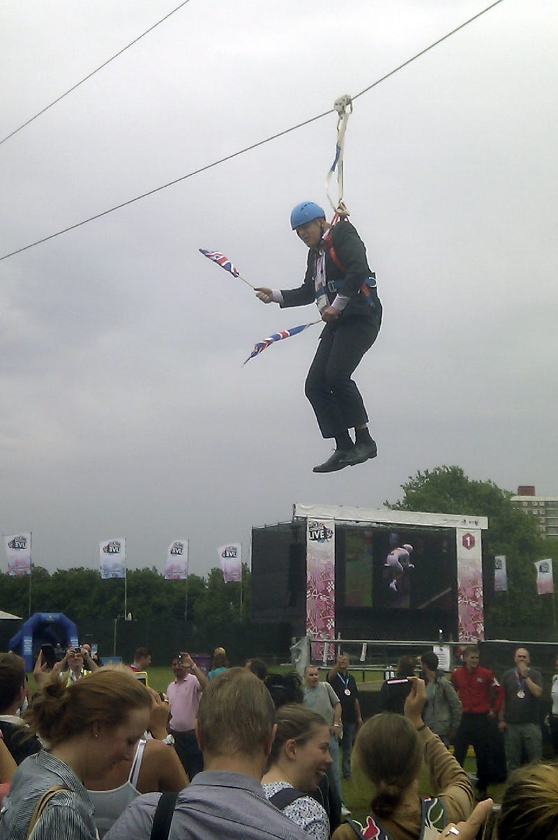 London Mayor Boris Johnson Got Stuck On A Zipline