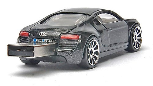 Audi R8 USB Drive Won't Break Data Transmissions