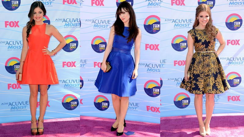 Demi Lovato Brings an R Rating to the Teen Choice Awards Red Carpet