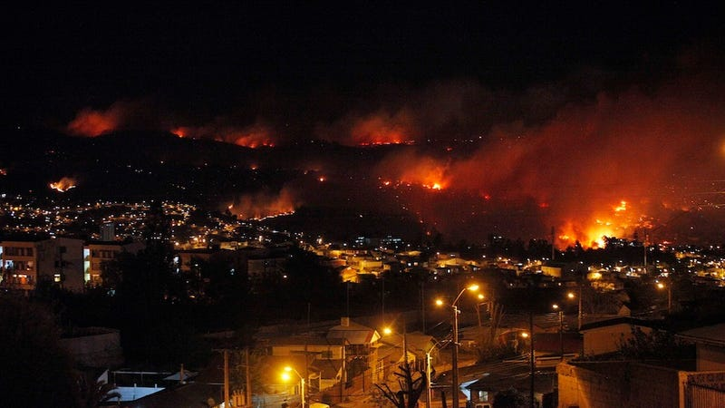10,000 Evacuated After Fire in Chilean Port City