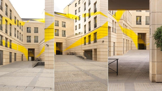 These large-scale anamorphic illusions are absolutely spectacular