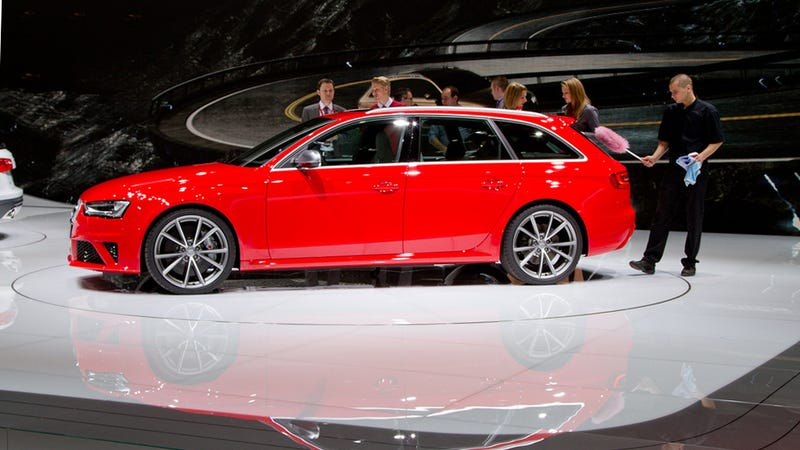 Audi RS4 Avant Live Gallery