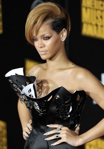 Rihanna: All Girlfriends Owe Their Abusive Boyfriends Nudie Pics