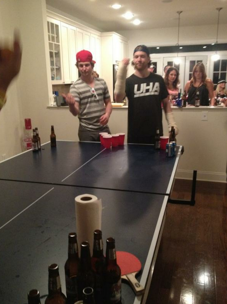 Claude Giroux Played Beer Pong With Casts On Both Wrists