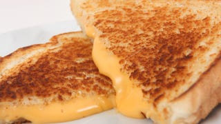 How Many Cheese Slices Belong On A Grilled Cheese Sandwich?