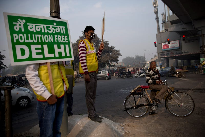 Now India's Airpocalypse Is So Bad, It's Banning Half the Cars in Delhi