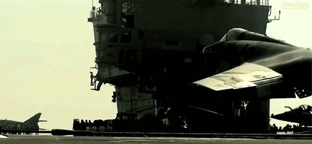 Jet fighters landing and taking off in superslowmotion are mesmerizing