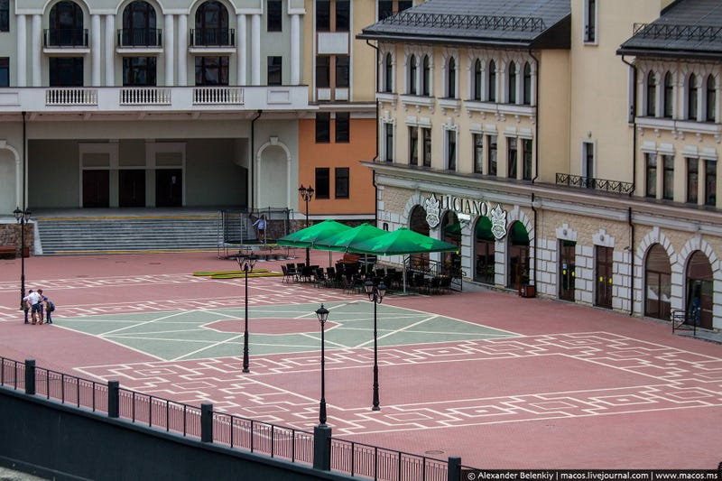 Just Six Months After the Olympics, Sochi Looks Like a Ghost Town