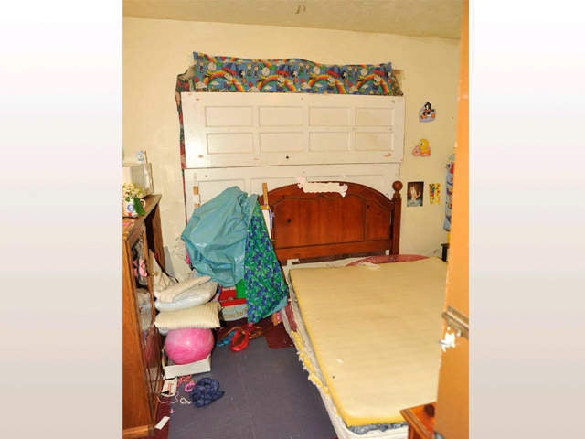 Photos from Ariel Castro Kidnapping House Add New Layer to the Horror