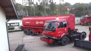 Watch This Fuel Tanker Perform The Ultimate Tight U-Turn
