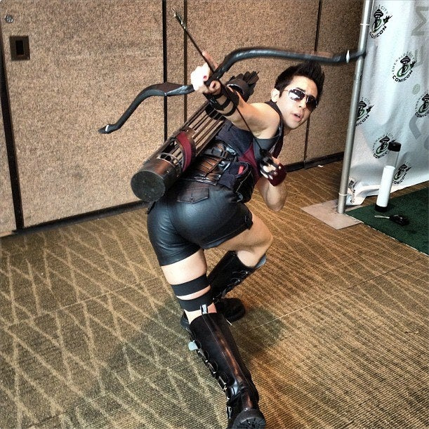 Hawkeye Initiative cosplay lets the guys show off their rears for a change