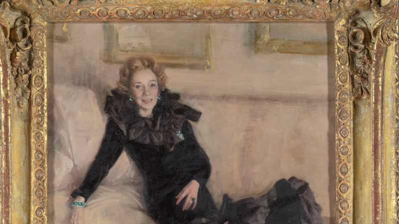 Servants' Uniforms, Dog Books, and 'Unusual Boxes': The Highlights of Brooke Astor's Multimillion Dollar Estate Auction