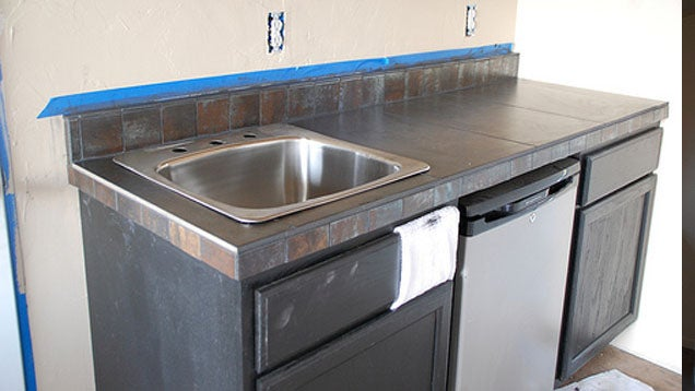 Five Ways to Update Old Kitchen Counters
