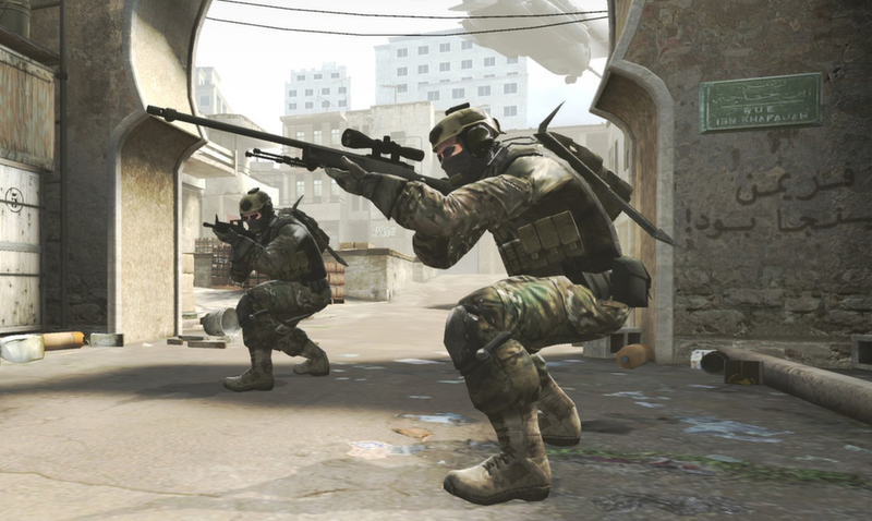 Counter-Strike Pro Obliterates Other Team Without Using Crosshair