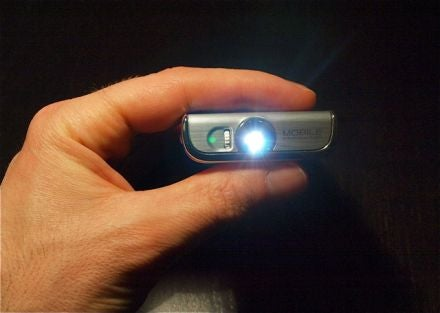 Video: Samsung Show W7900 Projector-Packing Cellphone Actually Looks Pretty Cool