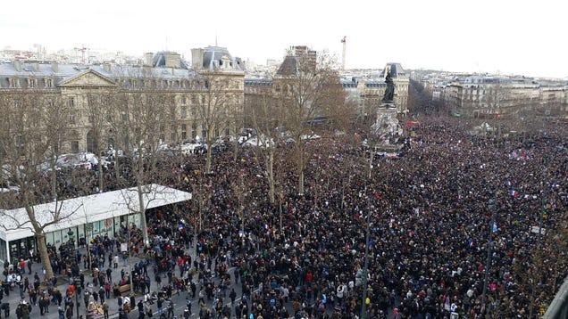 Ilyen az ország híre: magyarázni kell, miért menetelhet Orbán Párizsban