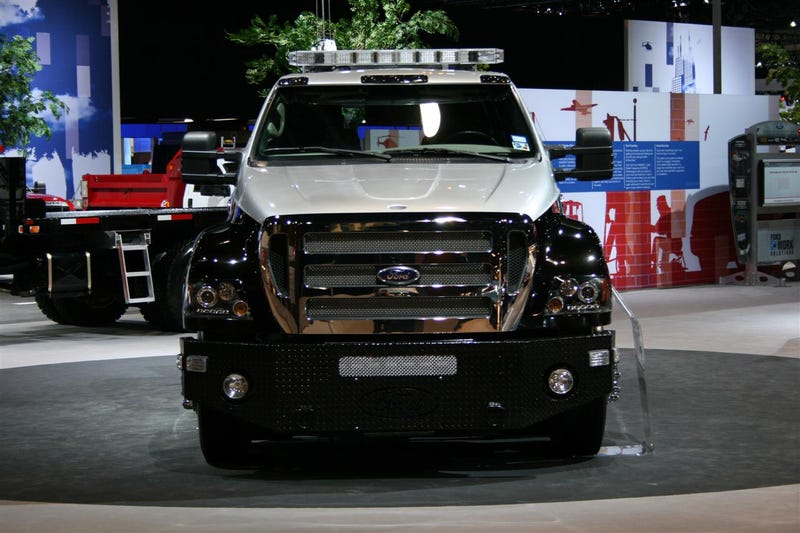 New Scope Ford F-650 XUV