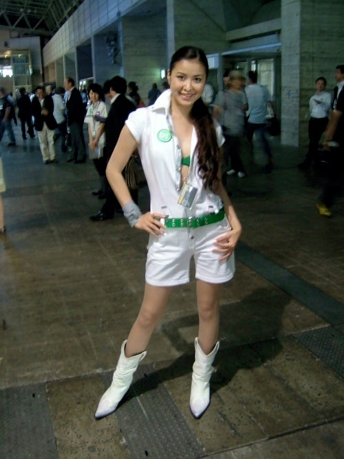 Let's Closely Inspect Microsoft's TGS Booth Uniforms