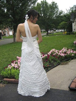 Wear A Dress Made Of Toilet Paper, Help The World (Or At Least Your Wallet)