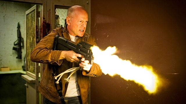 First Early Reviews of Looper, the Time Travel Movie That Could Be One of 2012's Best Films
