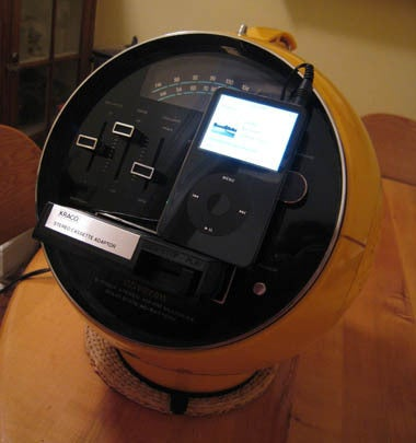 Turn Your Shameful 8-Track Player Into an iPod Dock You Can Be Proud Of