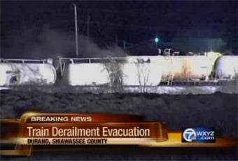 Train Carrying 20,000 Gallons of Hydrochloric Acid Derails, Leaks