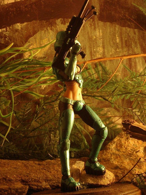 Master Chief's Girl is Sexy, Shares Outfits With Master Chief