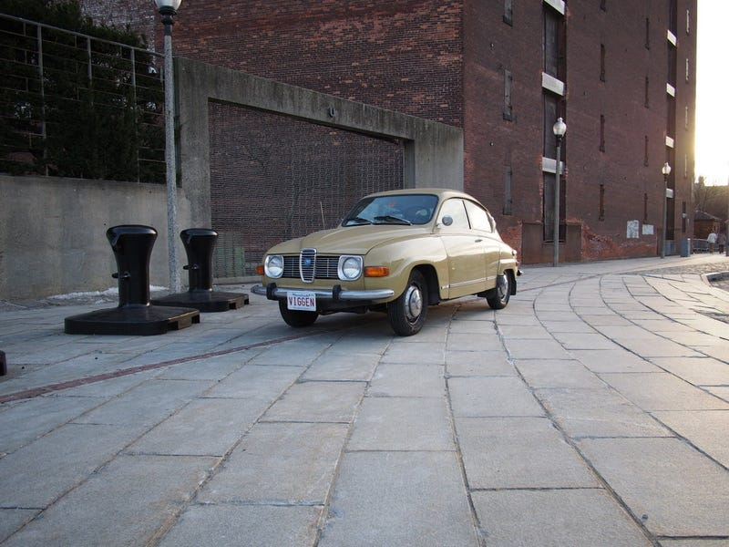 Sealed beam vs. Euro headlight styling comparison: Saab 96