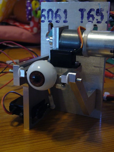 Opto-Isolator: An Arty Eye That Really Does Follow You Around the Room