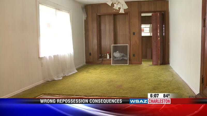 Woman's Possessions Trashed After Bank Sends Repo Men to Wrong House