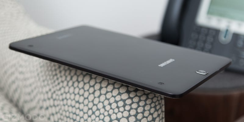 """Samsung Galaxy Tab S2 Review: Super Light and Super """"Meh"""""""