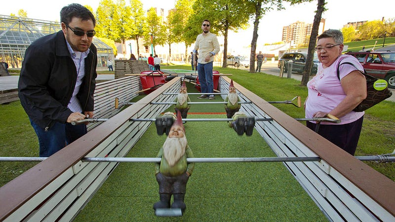 Every Hole's a Piece of Art In This Sculpture Garden Mini Golf Course