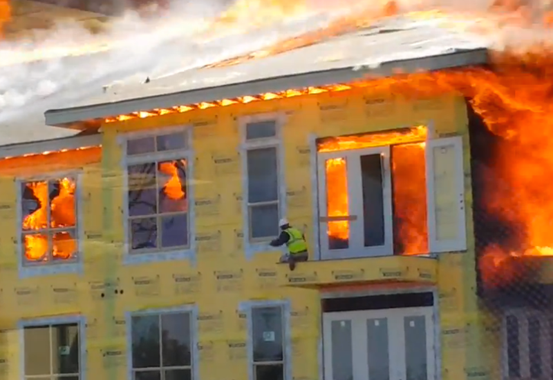 ​Construction Worker Describes Escape From Burning Houston Apartment