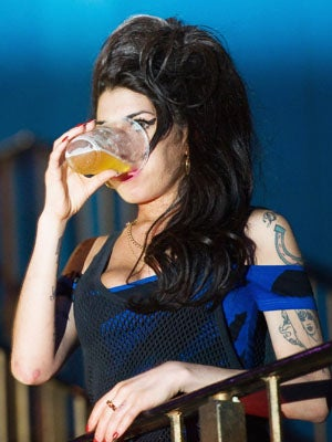 Amy Winehouse Returns to Rehab