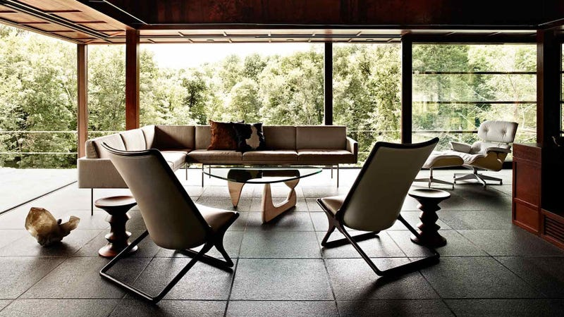 Explore the Beautiful World of Herman Miller Furniture With This Comprehensive Online Portfolio