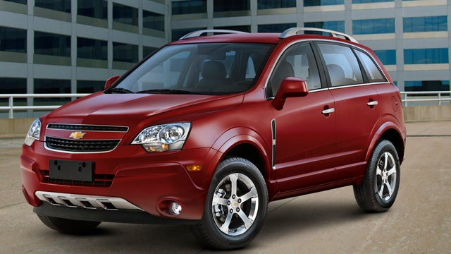 GM revives ancient Saturn Vue as rental-only Chevy Captiva