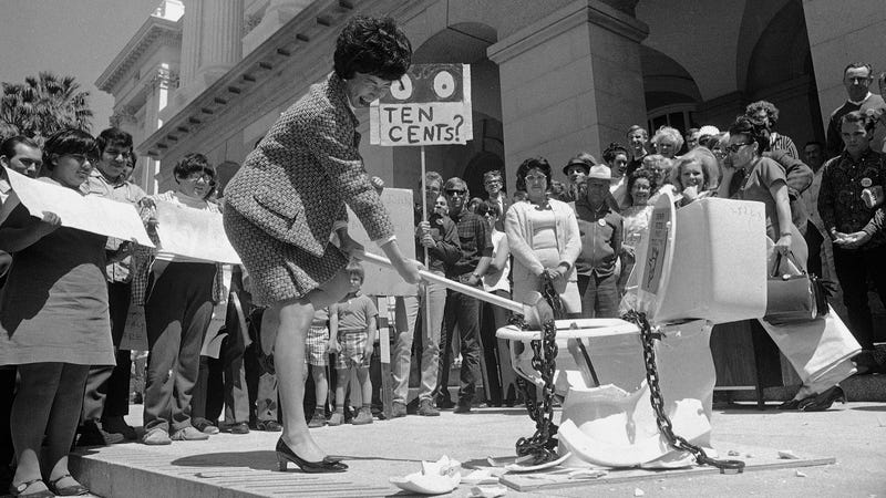The 1970s Feminist Fight Against Pay Toilets