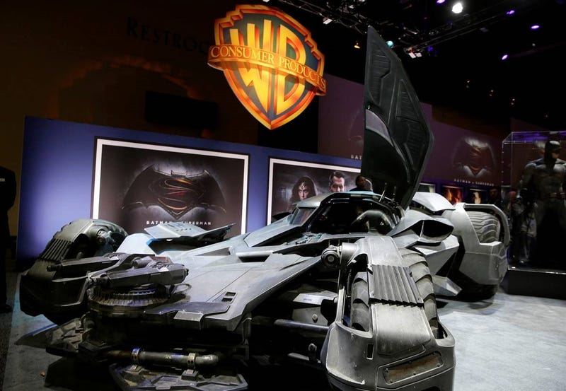 the badass batman v superman batmobile has officially been revealed. Black Bedroom Furniture Sets. Home Design Ideas
