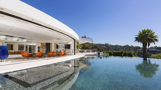 Would You Pay $85 Million For This Pool? Beyoncé and Jay Z Might.
