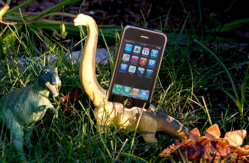 From the Tips Box: Brachiosaurus iPhone Dock, Reading Faster, and Clever Gmail Uses