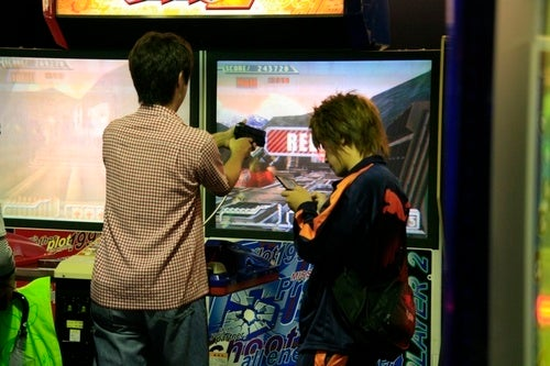 How To Kill Time In An Arcade
