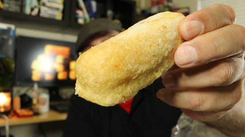 Snacktaku Cooks And Eats Hostess Deep Fried Twinkies