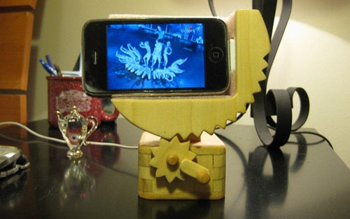 Wooden Automata iPhone Dock Cranks From Vertical to Horizontal