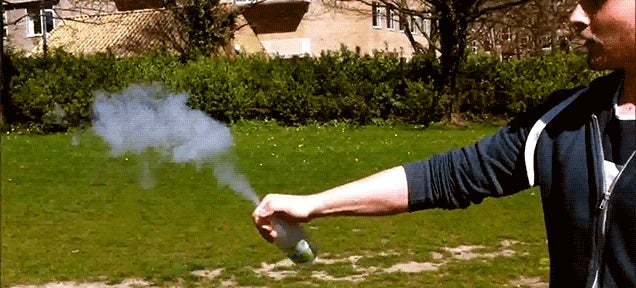 How to make bottle rockets with liquid nitrogen and water