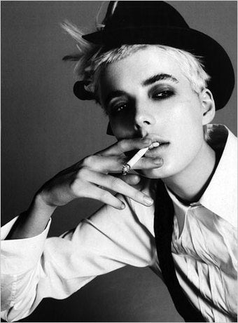 Agyness Deyn Is, Like, So Very Bored Right Now